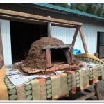 ドーム型のピザ窯が完成