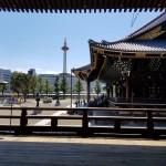京都タワーと東本願寺
